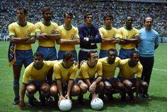 Brazil to face Italy in the 1970 World Cup final. Carlos Alberto, Félix, Brito, Everaldo, Clodoaldo, Wilson Piazza, Jairzinho, Gérson, Tostão, Pelé, Rivelino