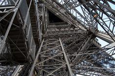 Pilier de la Tour Eiffel (2)   Flickr: partage de photos!