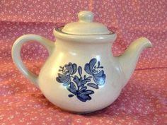 PFALTZGRAFF YORKTOWNE Teapot Tea Pot w/ Lid Gray w/ Blue Flowers Floral 550Y #Pfaltzgraff #Yorktowne #Teapot