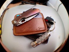 Like the look of the EDC and the knife.