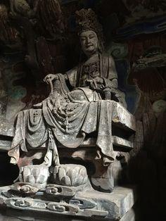 石洞內雕刻