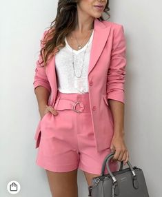 Beautiful looks with Blazer - fashion trends - Casual Work Outfits, Office Outfits, Short Outfits, Classy Outfits, Chic Outfits, Trendy Outfits, Blazer And Shorts, Blazer Outfits, Blazer Fashion