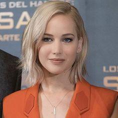 "Gorgeous Jennifer Lawrence promoting ""The Hunger Games: Mockingjay, Part 2"" in Madrid wearing EFC diamond bar chain studs and jumbo bar lariat! Styled by @jillandjordan  Xo, EF #efcollection #jenniferlawrence #katnesseverdeen #hungergames #barlariat #barchainstuds"