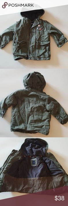 Cargo winter coat Green cargo coat. Gently used please see photos for visible wear. Still like new BabyGap Jackets & Coats