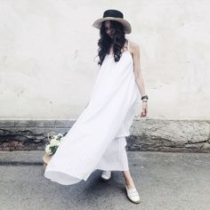 Achers white maxi summer dress with open back #achers#white#maxi#summer#openback#sexyback#whitedress#summerdress#maxidress#whitesarafan#maxisarafan