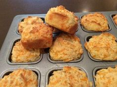 Low Carb Cheddar Biscuits serves 3 cups almond flour 1 tsp salt 1 tbs baking powder 8 ounces cream cheese, softened 1 stick of butter, melted 2 eggs, beaten 1 cup shredded cheddar cheese 344 calories: 32 g fat: g carbs: 3 g fiber: 4 NET carbs each Banting Recipes, Low Carb Recipes, Snack Recipes, Cooking Recipes, Healthy Recipes, Banting Diet, Lowest Carb Bread Recipe, Low Carb Bread, Low Carb Keto