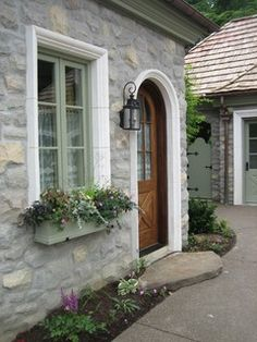 Planters - traditional - entry - other metro - by Landscapes by Dallas Foster, Inc