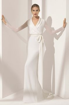 Wedding Dress Inspiration – Rosa Clara Courtesy of Rosa Clara Wedding Dresses; Bridal Skirts, Bridal Gowns, Wedding Gowns, Wedding Ceremony, Wedding Dress Older Bride, Bride Dress Simple, Civil Wedding, Minimal Wedding Dress, Wedding Dress Trends