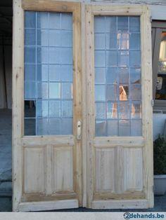 antieke oude dubbel deuren  met met geslepen glas