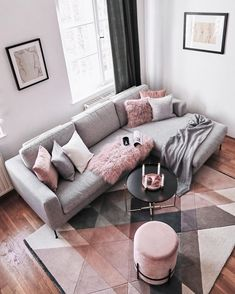 Wir sind ganz verliebt in diesen Cozy-Corner ✨ Ihr auch? Dann entdeckt die Pro… We are completely in love with this Cozy Corner ✨ Yours too? Then discover the products now in our shop by tapping the picture. Living Room Decor Cozy, Rooms Home Decor, Living Room Grey, Home Living Room, Living Room Designs, Blush Pink Living Room, Living Room Ideas Rose Gold, Living Room Decor Grey Couch, Grey Living Room Ideas Color Schemes