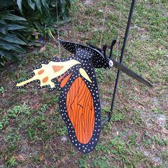 Mobile papillon monarque par WoodyRobcrafts sur Etsy