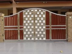 Stainless Steel Main Gate With Aluminium . New Gate Design, Iron Main Gate Design, House Main Gates Design, Front Gate Design, Door Design, Wall Design, Modern Steel Gate Design, Stainless Steel Gate, Building Elevation