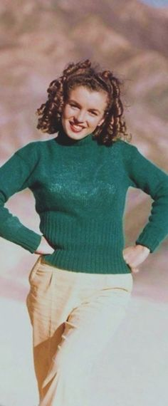 1945: Marilyn Monroe – Norma Jeane – wearing a green green jumper …. #marilynmonroe #pinup #monroe #marilyn #normajeane #iconic #sexsymbol #hollywoodlegend #hollywoodactress #1940s