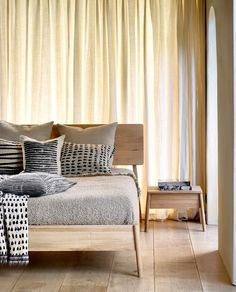 A calming environment full of subtle neutrals, soft textures and cosy linens. Taking a moment to breathe. Exquisite furniture by Ethnicraft • • • • #ethnicraft #wood #solidwood #natural #furniture #interiordesign #homedecor #art #bedroom #bedroomdecor #bedroominspo #bedroomdesign #bedroomgoals #bedrooms #bedroomideas #bedroomfurniture #modern #bedspreads #design #designlovers #renovations #interiordesignideas #furnituredesign #stayinspired #timeless #details #interior #naturalcolors