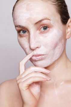 Effective Devices to Reduce Wrinkles and Tighten the Skin How to Reduce Wrinkles and Maintain Tighter Skin Top Skin Care Products, Best Skincare Products, Skin Care Tips, Acne Prone Skin, Oily Skin, Facial Serum Best, Tony Moly, Sagging Skin, Clear Skin