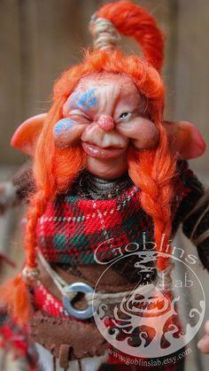 OOAK criatura fantástica duende escocés Olghar por GoblinsLab. OOAK Dolls *The Artist Web ( GoblinsLab ) :https://goo.gl/0Cc6op /  Criaturas Míticas hechas a mano, por el artista plástico  Moisés Espino. The Goblin´s Lab. Madrid, España. Hadas, Duendes, Trolls, Brownies, Goblins, Fairies, Elfs, Trolls, Gnomes, Pixies....Quieres adoptar a una criatura? *GoblinsLab Facebook: https://goo.gl/S39lGQ  /  http://goblinslab.deviantart.com/
