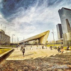 Rotterdam Central Station love my city  Is it on your travel list yet?  #giantific #sky #clouds #station #architecture --------------------------- #rotterdam #rotterdamcity #rotterdam010 #010 #holland #thenetherlands #dutch #dutch_connextion --------------------------- #cityview #bigcitylife #architecturephoto --------------------------- #travellinggram#travellover#travelbloggers #travelblogging  #reizen #wanderluster #wanderlust #wanderlusting #travel #globetrotters…