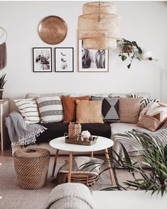 Images and videos of home decor – A mix of mid-century modern, bohemian, and industrial interior style. Home and apartment decor, Decoration Inspiration, Decor Ideas, Decoration Pictures, Design Inspiration, Diy Ideas, Boho Living Room, Living Room Pillows, Living Room Neutral, Black Sofa Living Room Decor