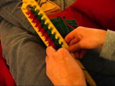 Knitting a 2 sided scarf on a long loom