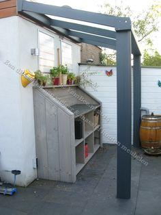 """*Tuinkast van steigerhout """"Keukenblok"""" Voor meer informatie kijkt u dan op: www.yambee.nl Of stuurt u ons een mail met uw vraag naar: info@yambee.nl"""