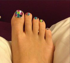 foot puzzle , nails