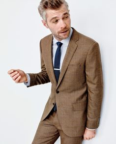 J.Crew men's famous slim-fitting Ludlow and athletic Crosby suits win the triple crown of suiting. They're cut from lightweight fabrics from Carpini, American Woolen Company and other world-class mills, feature custom details like half-canvas-lined jackets and Bemberg-lined trousers.