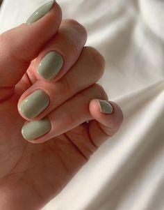 Short Nail Manicure, Cute Gel Nails, Short Gel Nails, Short Round Nails, Gel Manicure, Short Rounded Acrylic Nails, Pretty Short Nails, Shellac Nail Designs, Short Nails Art