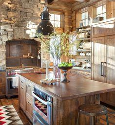 Mai multe idei aici: http://www.mobila.com/blog/bucatarie/mobila-de-bucatarie-din-lemn-masiv-5-idei-pentru-a-o-pune-in-valoare