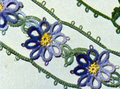 Shaded Blue Pillow Case Posies Edging & Insertion tatting pattern from Floral Insertions and Floral Edgings, Clark's O.N.T. J Coats, Book No. 263, in 1949.