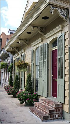 French Quarter Homes, Brackets and Sidewalk gardens