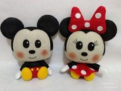 Molde Minnie e Mickey Disney Diy, Disney Crafts, Baby Disney, Sock Crafts, Craft Stick Crafts, Felt Crafts, Minnie Toys, Minnie Mouse Doll, Crochet Disney