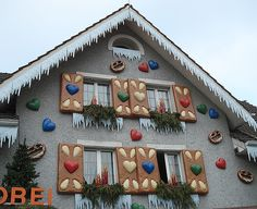 A Swiss bakery/pastry shop decked out for Christmas. A real gingerbread house! Gingerbread Christmas Decor, Candy Land Christmas, Pink Christmas Decorations, Gingerbread Decorations, Christmas Lights, Christmas Holidays, Christmas Crafts, Candy Decorations, Gingerbread Houses