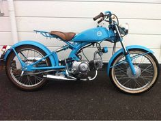 Enfield Bike, Honda Bikes, Bike Ideas, 50cc, Motorcycle Design, Mopeds, Vintage Motorcycles, Custom Bikes, Toys For Boys