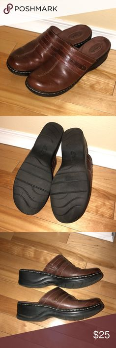 """Clark's Bendables Clogs- Shoe size 10 Clark's """"bendables"""" clogs. These shoes are a size 10 in women's. Used, but is good condition. Comes from smoke free, pet free home. Clarks Shoes Mules & Clogs"""