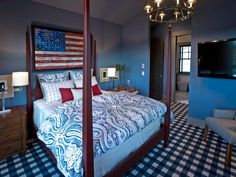A contemporary take on an Old West theme proves a win in this upstairs guest suite.