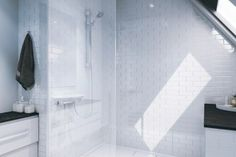 Multipanel.co.uk - Tile bevelled white (upstairs Shower room)