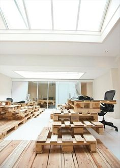 Pallet Project by MOST Architecture, Amsterdam office design furniture 2 eco Beautiful Interior Design, Office Interior Design, Office Interiors, Interior And Exterior, Bureau Design, Old Pallets, Wooden Pallets, Pallet Wood, Interior Tropical