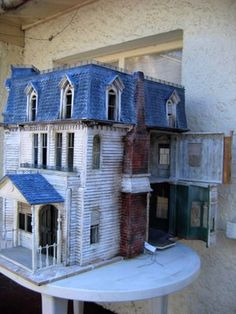 A haunted dollhouse. Now THAT'S a dollhouse I could love.