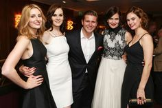 Laura Carmichael, Michelle Dockery, Alan Leech, Elizabeth McGovern, Lily James- Downton finale