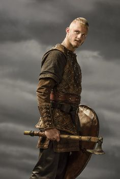 The real story of Bjorn Ironside, Ragnar Lothbrok's son and one of the legendary kings of Sweden, his deeds and place in the Vikings' history. Vikings Tv Show, Vikings Tv Series, Ragnar Lothbrok Sons, Ragnar Vikings, Bjorn Lothbrok, Top Des Series, Viking Wallpaper, Hd Wallpaper, Viking Baby