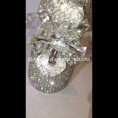 Still obsessing over our @jimmychoo inspired #Cinderella #memorybottlle  Press play and watch our beauty sparkle.  @swarovski @thebillionairesclub #champagnebottle #jimmychoo #Cinderellashoe #weddingbottle #beverlyhills #weddingchampagne #champagne #poppinbottles