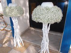 λαμπάδες με γυψοφιλη σε βάσεις από λευκά θαλασσοξυλα..Δεξίωση | Στολισμός Γάμου | Στολισμός Εκκλησίας | Διακόσμηση Βάπτισης | Στολισμός Βάπτισης | Γάμος σε Νησί & Παραλία... Gypsophila, Wedding Venues, Wedding Ideas, Altar, Wedding Flowers, Wedding Decorations, Wreaths, Candles, Weddings