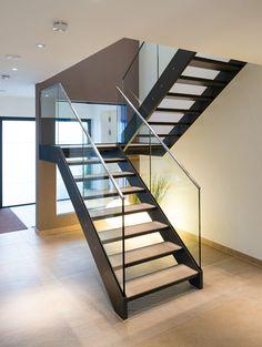 Schönes Geländer aus Glas