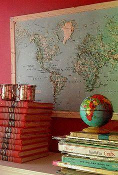 Map, globe, and books. World Globe Map, Globe Art, World Globes, Map Globe, Framed Maps, Wall Maps, Vintage Globe, Vintage Maps, Globes Terrestres