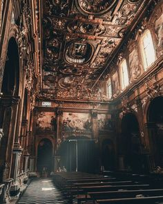I never knew daylight could be so violent A revelation in the light of day You cant choose what stays and what fades away. Chiesa di San Gregorio Armeno, Napoli tips tips closet tips for clothes tips for travel Architecture Baroque, Beautiful Architecture, Beautiful Buildings, Architecture Design, Beautiful Places, Blender Architecture, Computer Architecture, Classical Architecture, Aesthetic Art