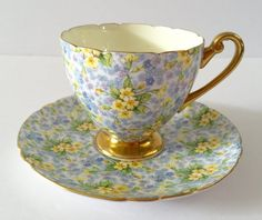 Wonderful vintage Shelley bone china tea cup and saucer, made in England. A pretty chintz duo in the Primrose pattern. It is in perfect condition, no chips, cracks or crazing. Please Note: The items I sell are not new, they are vintage or antiques, it goes without saying that there maybe some imperfections which I will try my best to point out and take pictures of. I do not look at my items under a microscope, but I do the best I can to describe it. Please ask questions, what maybe impo...