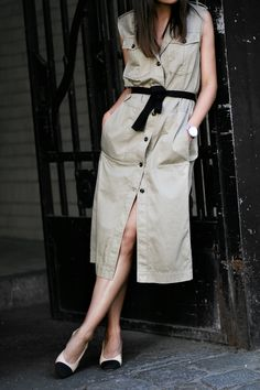 Chanel Slingback Pumps & Marc O'Polo Dress. Outfit: The Trench Dress - Modern Safari Trend - teetharejade.com
