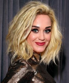 Grammys 2017: The Best Red Carpet Beauty Looks - Katy Perry's piecy blonde lob hair and berry lip color