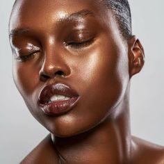 Glossy Eyes Change Everything - The New York Times Dewy Makeup Look, Glossy Makeup, Love Makeup, Makeup Inspo, Makeup Inspiration, Makeup Looks, Black Girl Makeup, Girls Makeup, Dewy Skin