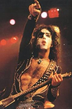 Photo by Dave Smith Kiss Images, Kiss Pictures, Hair Metal Bands, Vinnie Vincent, Eric Carr, Peter Criss, Vintage Kiss, Paul Stanley, Kiss Band